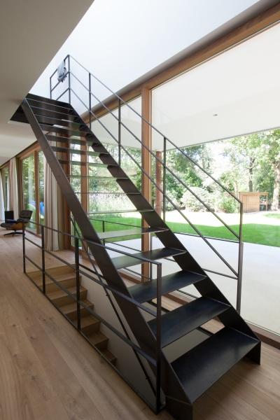 Herrer a reparaciones zaru - Trap binnen villa ...